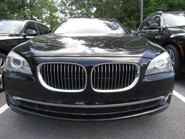 Pre-Owned 2009 BMW 7 Series 750i