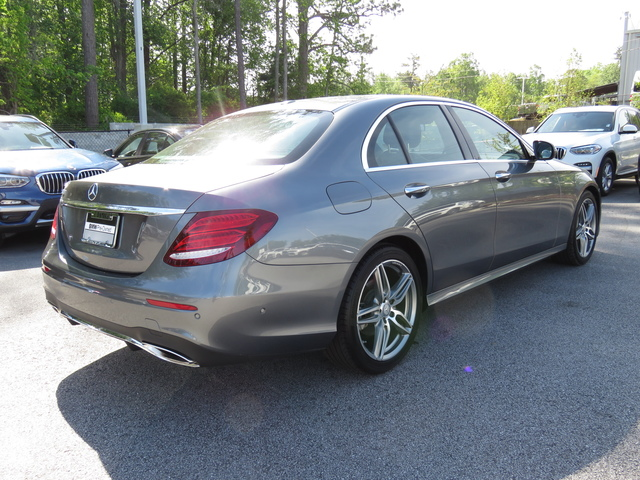 Pre-Owned 2017 Mercedes-Benz E-Class E 300 Luxury